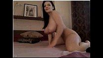 Morena peituda na webcam