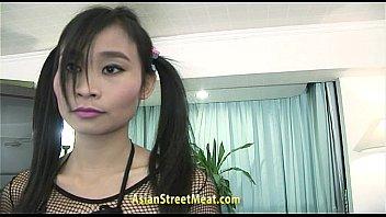 Asian Teen Pleque