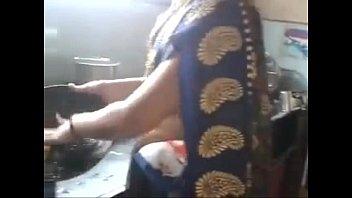 Desi indian Kannada aunty hot navel hip 2 min