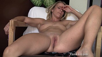 Blonde Skyla Toying Her Pussy And Ass