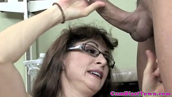 Hairy cumloving mature in stockings 6 min