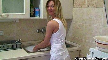 Mom's home made masturbation videos 19 min