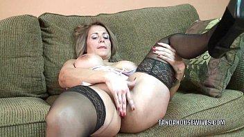 Mature slut Sandie Marquez plays with her Latina pussy 6 min
