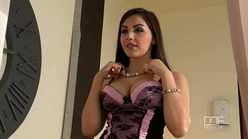 Beautiful Italian girl Valentina Nappi gets double penetrated by two thieves