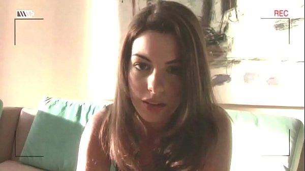 Anne Hathaway masturbates in movie HAVOC (HD)