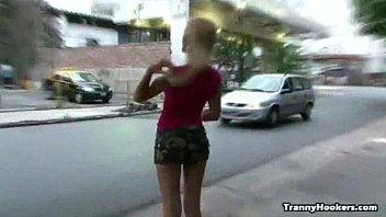 Blonde Tranny hooker pleasing her client 15 min