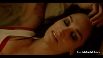 Nicole Silva Chapman Leeanna Walsman Danielle Cormack Wentworth Prison S01E05 2013
