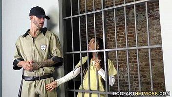 Ebony Priya Price enjoys threesome in prison 10 min