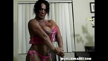 Big Tit Muscle Lady Plays Solo 7 min