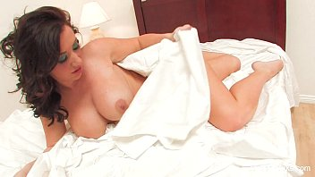 White Sheet Solo With Jayden Jaymes
