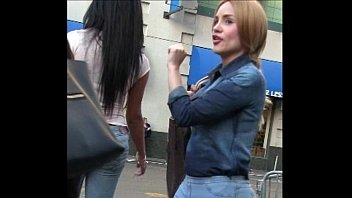 Candid Latina Tight Jeans Girl Street bubble butt 32 sec