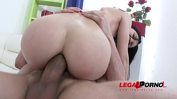 Hot slut Crystal Greenvelle gangbang with 4 studs and 4 cum swallows