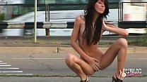 Голая девушка позирует на улицах Москвы. 9 min