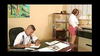 Chubby Secretary Fucks Her Dirty Boss On Desk In Office 5 min