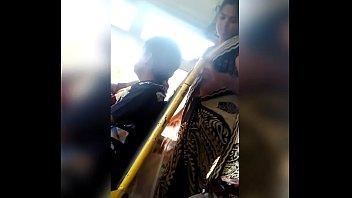 Telugu aunty navel show in bus 45 sec
