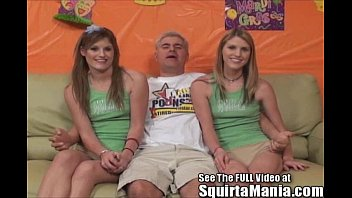 Dualing Porn Star Squirting Twin Sisters! 72 sec