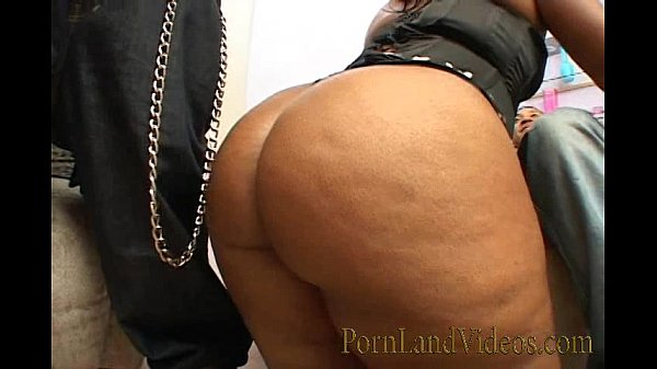 black threesome with very big ass bitch
