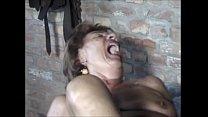 Alte Oma schreit laut beim Ficken und Fisten 480p 8 min