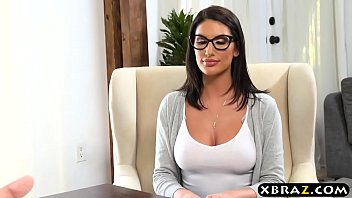 Big boobs student August Ames gets off the waitlist