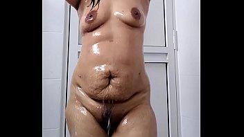 Indian Wife in bath 26 sec