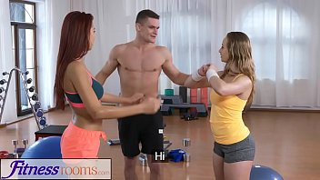 Fitness Rooms Naughty y. cock hungry threesome with gym hunk