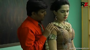 desimasala.co -  Young girl romance with boss for promotion 9 min