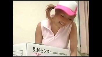 [AV-R]日本-D罩杯女孩沒穿內衣去幫同學搬家結果被上 - 12 min 12 min