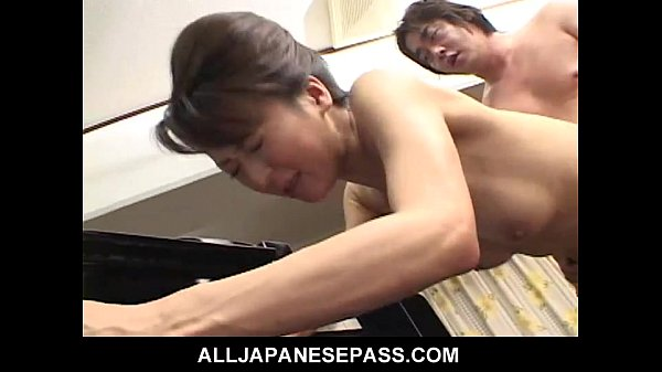 Horny babe in a kimono has her pussy fingered and fucked 7 min