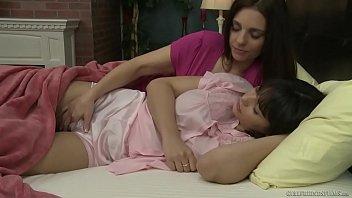 Mindi Mink take care of Violet Starr