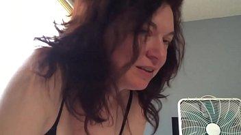 6123  mulher-madura-da-boca-de-veludo-fazendo-boquete-babadinho-na-pica-com-pelos-de-seu-marido-sem-vergonha 1506523879-360p