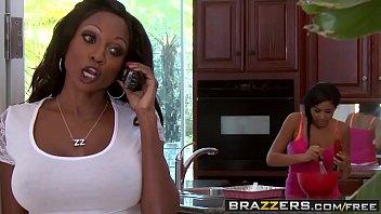 Brazzers - Mommy Got Boobs - Diamond Jackson and Bill Bailey - To Prank A Skank 8 min