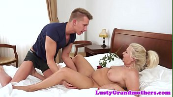 Chubby amateur grandma doggystyled after oral