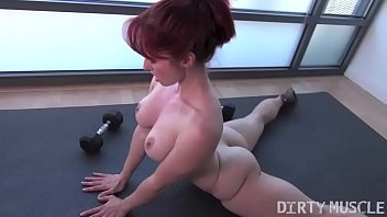 Naked Fit Yoga Instructor Plays With Her Asshole 2 min