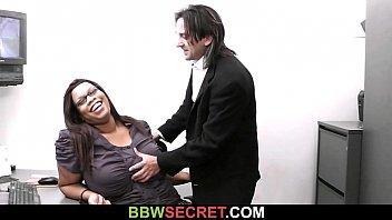 Married boss seduces his fat ebony secretary