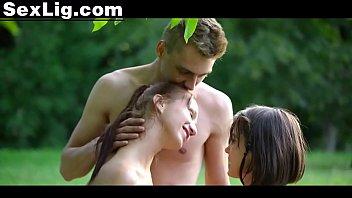 Casal Novinho  Metendo no Parque Junto com a Amiga