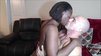 Kissing Naejae