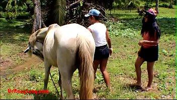 Onlyfans.com/heatherdeep Real amateur teens heather deep and girlfriend LOVE HORSE COCK