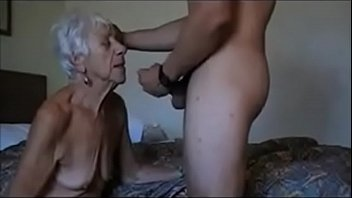 Abuela cogida por su nieto parte #2