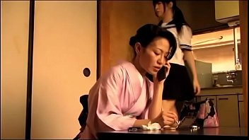 Japans tienermeisje krijgt orgasme door haar vader (Zie meer: bit.ly/2AZeSIP) 18 min