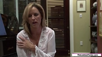 Lesbian milf fucked by her stepdaughter 6 min