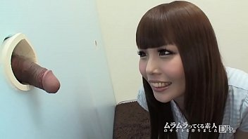 ラッキーホール新装開店!~西川りおんがラッキーホールで出てきたチ●ポを指でツンツン!1 12 min
