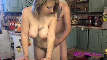 Wife fucked in the kitchen 25 min