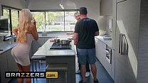 Real Wife Stories - (Courtney Taylor, Keiran Lee) - Courtney Lends A Helping Hand - Brazzers 10 min