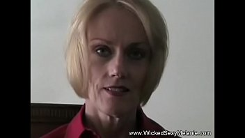 Amateur Granny Really Can Suck
