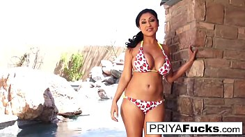Indian MILF  Priya Rai gets all wet outside by the pool