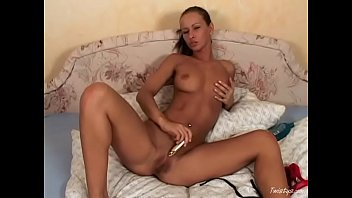 Gogerous Susana Spears fucks herself with toy 10 min