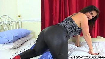 Big butt milf Montse Swinger in leggings will get you hard 12 min