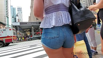 SEXY YOUNG PAWG IN TIGHT JEANS SHORTS