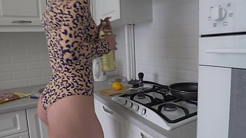 4k Trailer - VORAREPHILIA (VORE) - PREDATOR WOMAN