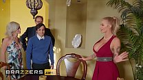 Busty blonde (Joslyn James) joins hot threesome with (Kiara Cole) - Brazzers